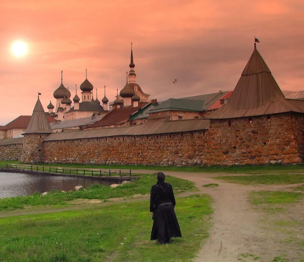 Псков (5 дней)-Печоры-Москва – Изборск – Камно – Пушкинские горы